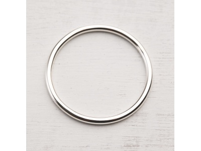 Sterling silver bangle with no charms